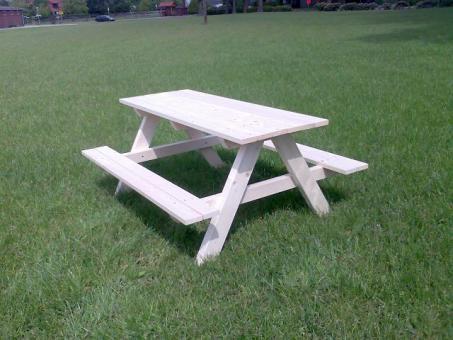 Kinder- Picknicktisch aus Fichtenholz vollmassiv unbehandelt Größe 1