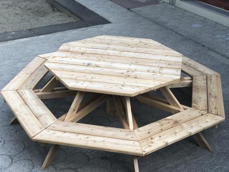 Sitzgruppe für 8 Kinder Achteck Bank mit Tisch Größe 2